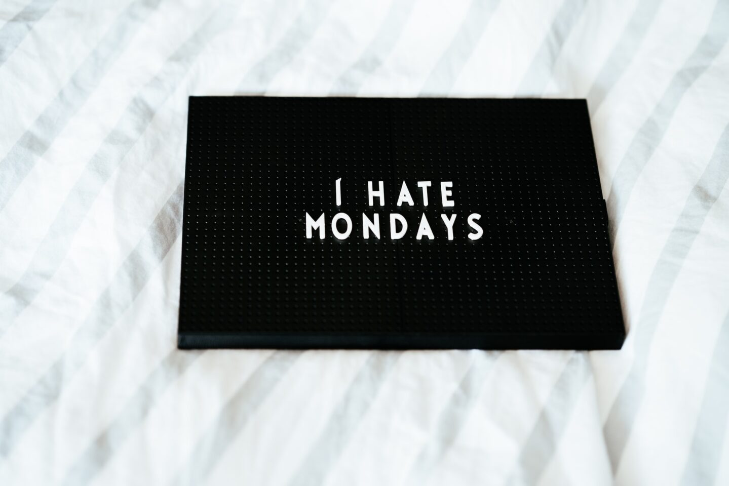 月曜日 仕事 行きたくない